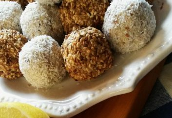 Lemon, coconut, sesame baobab bliss balls